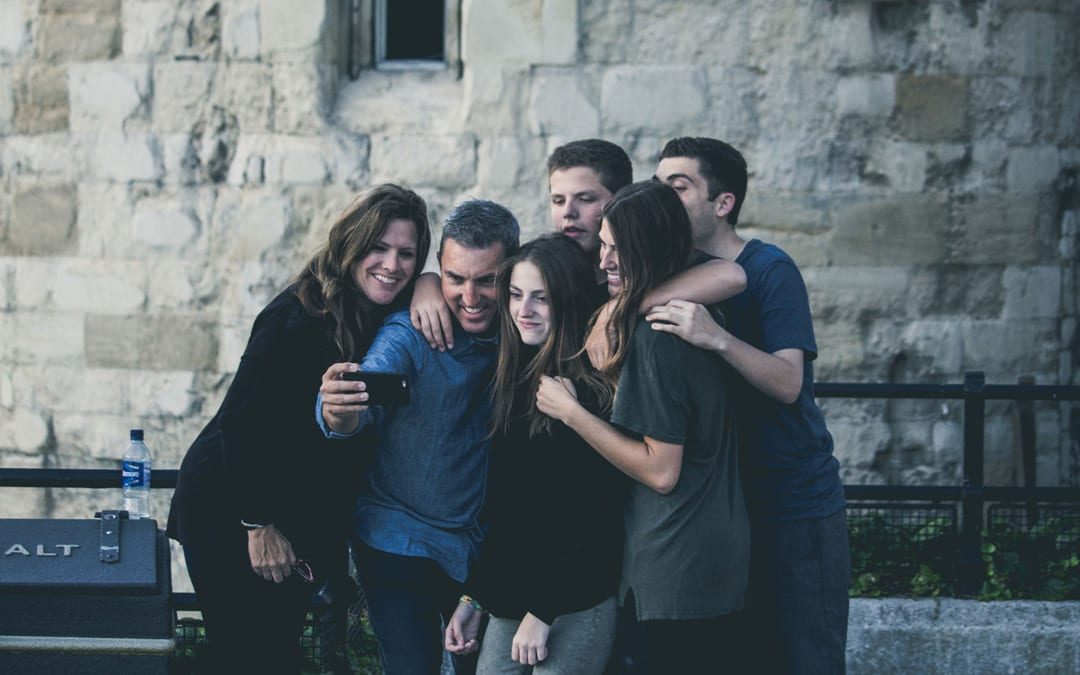 How to Be a Good Friend: 5 Ways We Hold Each Other Back