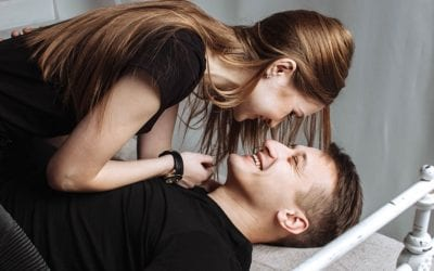 How to Talk to Girls: 9 Tips to Get Her HOOKED